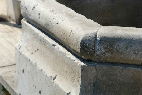 Matino fontana a parete in pietra leccese scolpita a mano