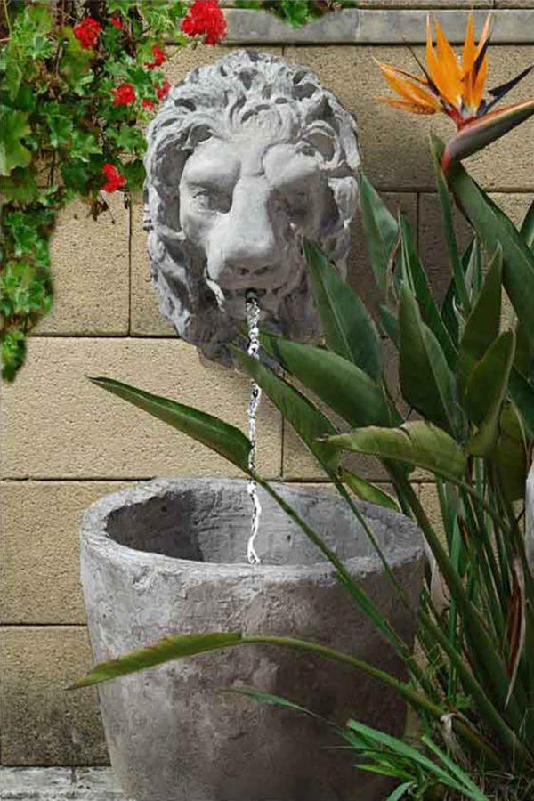 Pilatonda fontana a parete in pietra scolpita a mano