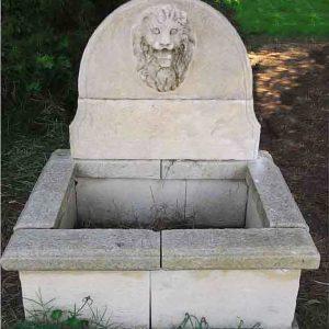 Ulione fontana a parete in pietra leccese scolpita a mano