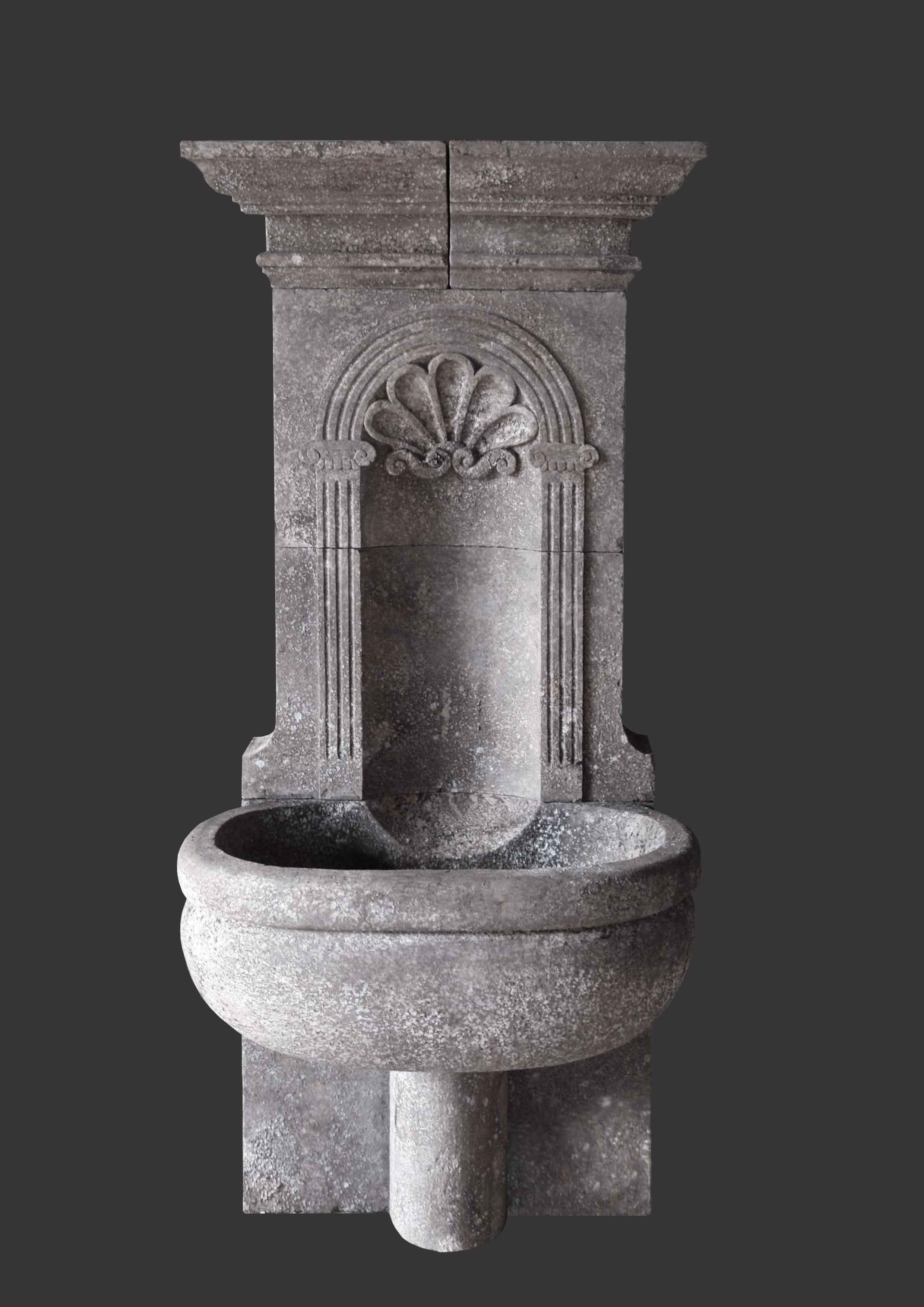 Vasche In Pietra Per Fontane fontana conchiglia e vasca ovale